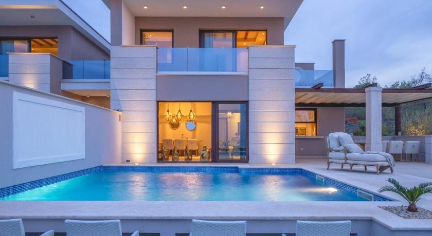 Marbella luxury villas for sale