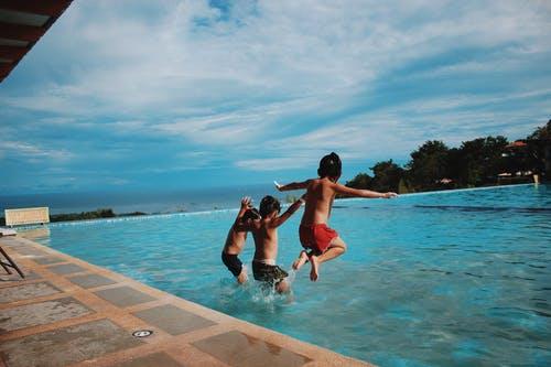 děti bazén