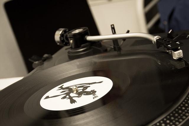 Kde sehnat stará i nová LP?