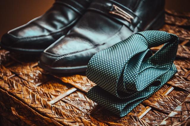 kravata a boty.jpg