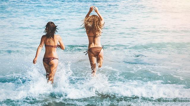 holky v moři