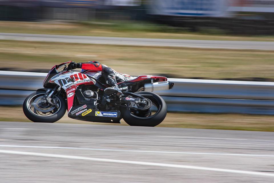 motorka na okruhu