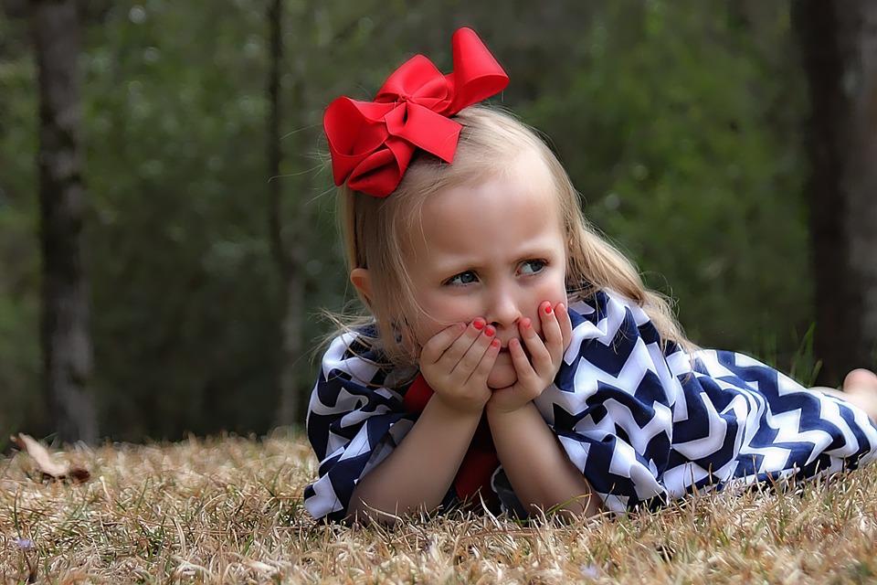 Je dětský stan na hraní vhodný i na běžné stanování?